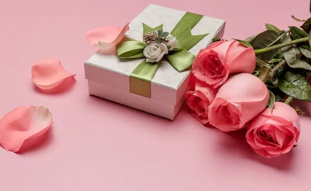 Things to Consider When Giving a Hong Kong Corporate Gift